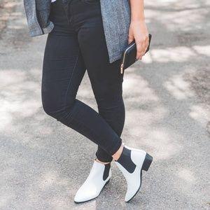 🆕//The Carli// White vegan leather bootie